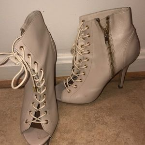Steve Madden Lace up Bootie